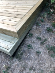 Stor trykimpræneret træterrasse i Gentofte
